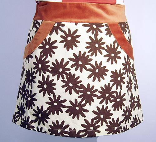 'Naomi' - Sixties Mod Daisy Mini Skirt by EC STAR