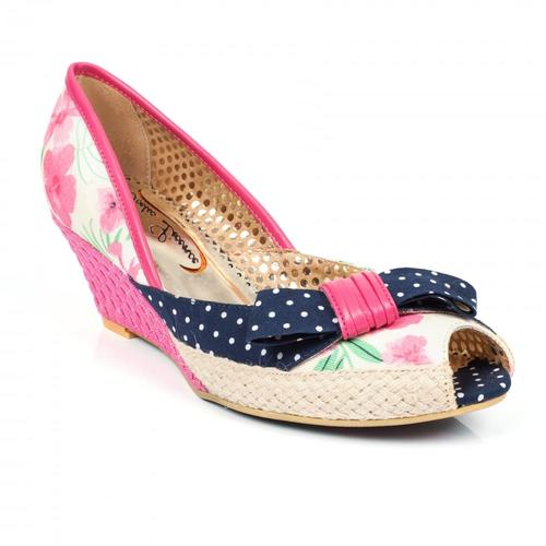 POETIC LICENCE CHARMED LIFE 50s PEEP TOE WEDGES