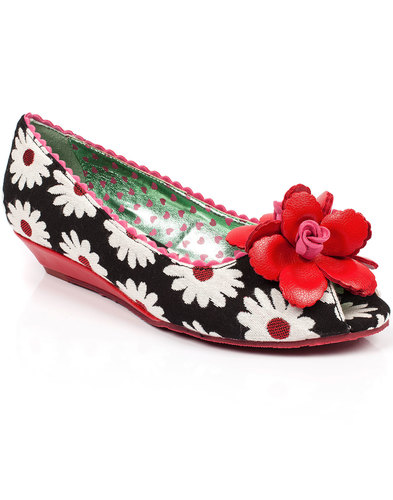poetic licence daisy delight retro floral wedges