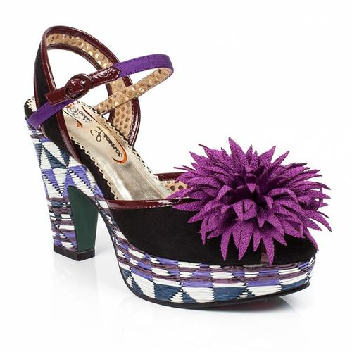 POETIC LICENCE LUSCIOUS RETRO 70S PLATFORM SANDALS