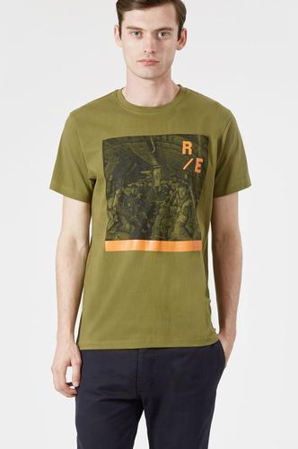 REALM & EMPIRE Retro Paratroopers Photo Print Tee