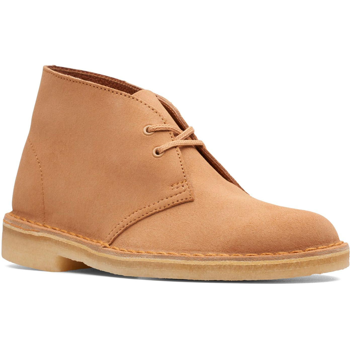 CLARKS ORIGINALS Women's Desert Boots (Light Tan)