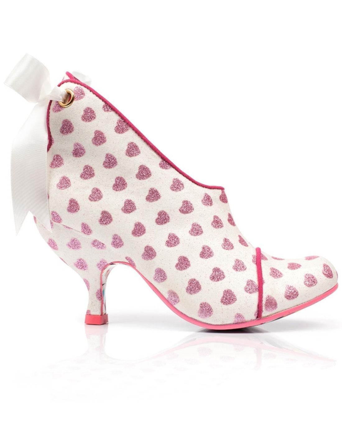 Irregular Around Choice Heeled Love Boots Is All Heart rIrxUSq4w