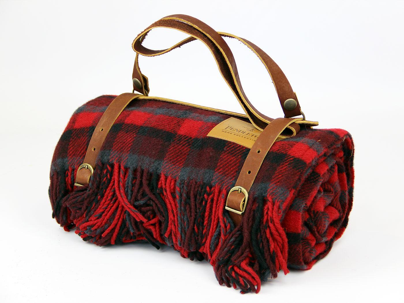 PENDLETON WOOLEN MILLS Tartan Carry Blanket/Throw