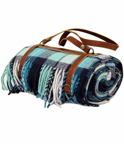 PENDLETON WOOLEN MILLS Tartan Carry Blanket/Throw